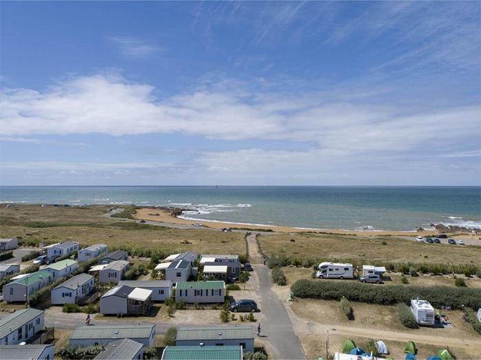 campings avec emplacements pour les camping-caristes